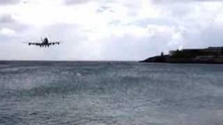 KLM 747 Landing St. Maarten.