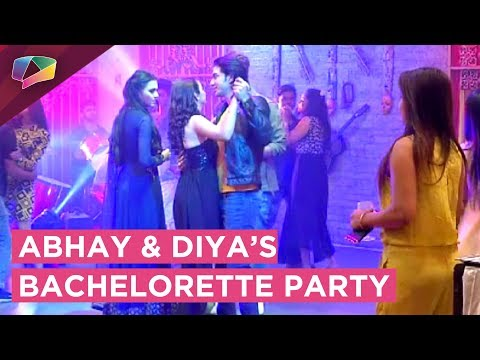 Ratan Throws A Bachelorette Party For Abhay And Di