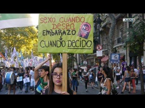 Marcha 8 de marzo de 2016 en Argentina miles de mujeres luchadoras repudian las violencias patriarcales