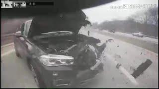 BMW kontra naczepa ciężarówki na autostradzie. Czy on miał zamknięte oczy?