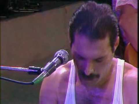 freddie mercury queen - we will rock you and we are the champions live