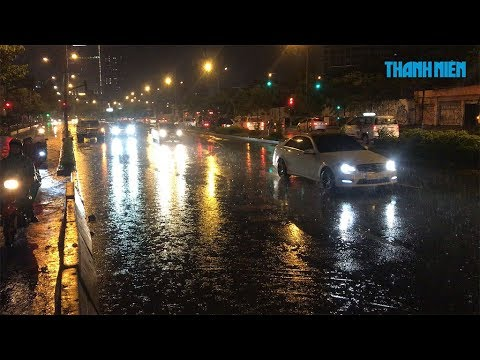 TPHCM: Siêu máy bom hút hết nước đường Nguyễn Hữu Cảnh chìu qua