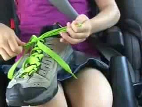 How to Teach Children to Tie Shoes