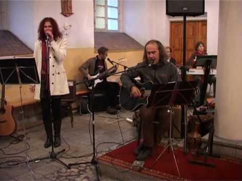 Tekst piosenki Czerwone Gitary - Draussen bei den Weiden po polsku