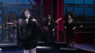 Gossip - Move In The Right Direction (On David Letterman) (Live) lyrics (Chinese translation). | One step closer and feeling fine, Getting better one day at a time, I'm moving forward it's all in...