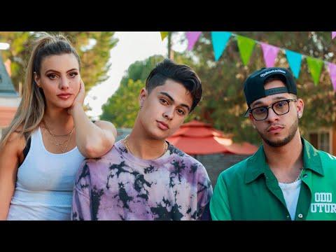 Favian Lovo, Lele Pons, Lyanno - Los Puti (Shorts) [Official Video]