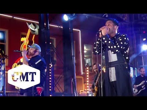 Leon Bridges and Luke Combs Perform 'Beyond' | CMT Crossroads