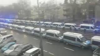 Strajk Kobiet idzie pod dom Kaczyńskiego. Policja blokuje.