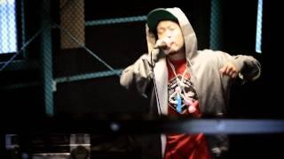 サイプレス上野とロベルト吉野 「BUMP」 (Official Music Video)