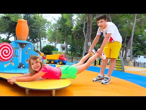 Макс как НЯНЯ для Кати Катя не слушается и не боится микробов Скетчи для детей - DomaVideo.Ru