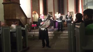Mitschnitt vom Konzert von Harmonic Brass in Bad Hersfeld am 29.03.2015: Manfred lässt die Tuba glühen .....