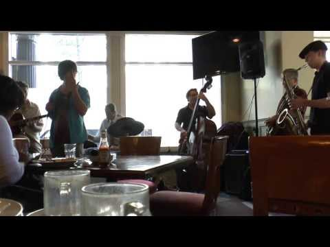 Jazz Brunch, Kellys on Crown -
