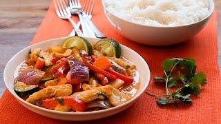 Rotes thailändisches Hähnchen-Curry