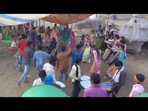 Video Aadiwasi sanghvi dance video download in MP3, 3GP, MP4, WEBM, AVI, FLV January 2017