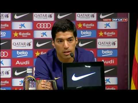 DE - Presentación de Luis Sáurez como nuevo jugador del FC Barcelona, con la primera rueda de prensa. --- Barça 2.0 Subscribe to our official channel http://www.youtube.com/subscription_center?add_us...