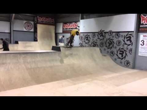 Revolution Skatepark - Skate Edit