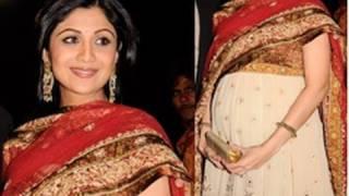 Pregnant Shilpa Shetty flaunts BABY BUMP