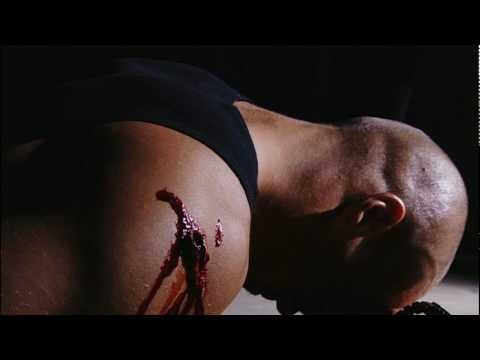 Hot Babe Fights Killer (1)