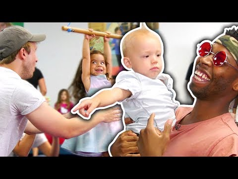 HOW TO BE THE BEST BABYSITTER! (Day Jobs)