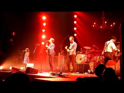 zénith - Concert des Lumineers au Zénith de Paris, le 17 novembre 2013 - Submarines @0:00 - Ain't Nobody's Problem @0:20 - Ho Hey @0:40 - Classy Girls - Dead Sea @1:1...