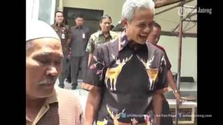 Video VIDEO HEBOH Ganjar Pranowo Pergoki Polisi Melakukan Pungli di Samsat Magelang MP3, 3GP, MP4, WEBM, AVI, FLV Agustus 2018