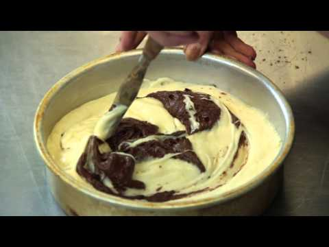 How to Make a Marble Cake With Cocoa Powder : Cake Recipes