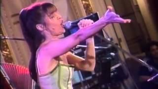 FABIANA CANTILO - En El Salón Blanco (vivo)