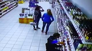 Video Un rayon d'alcool s'effondre MP3, 3GP, MP4, WEBM, AVI, FLV Agustus 2017