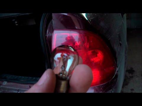 Как заменить лампочку стопа на приоре - Automee-s.ru
