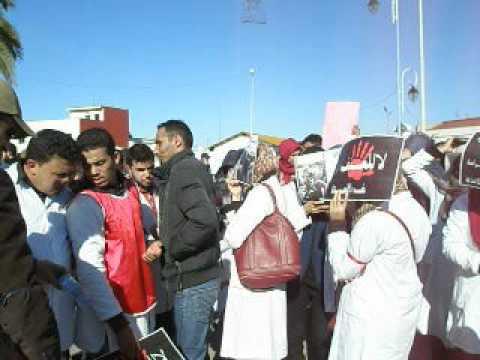 الأساتذة المتدربون بالعرائش يحتجون أمام باب العمالة