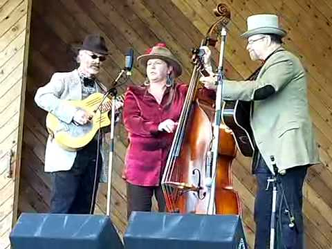 Don't treat Your Man Like A Dog - Copper Mountain Stringband