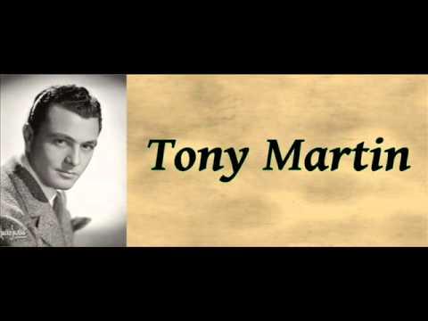 Tekst piosenki Tony Martin - It's A Blue World po polsku