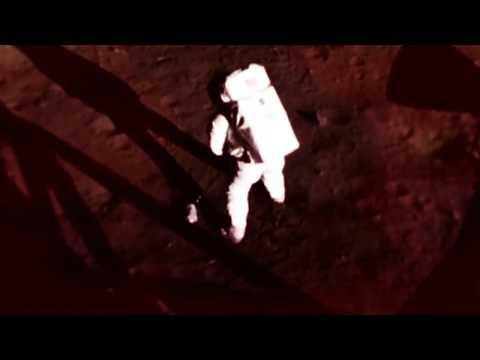 العرب اليوم - شاهد: قصة رائد الفضاء الذي تُرك وحيداً على سطح كوكب المريخ
