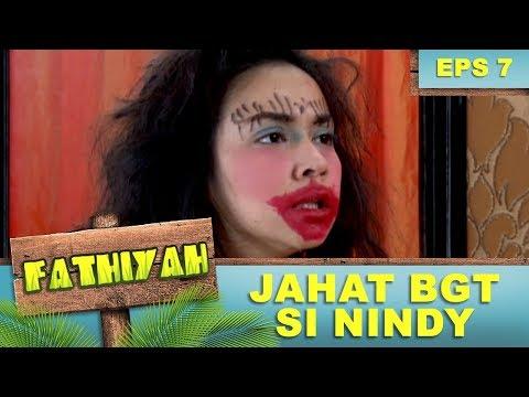 Karin Jahat BGT Dandanin Fathiyah Jadi Jelek - Fathiyah Eps 7 Part 1
