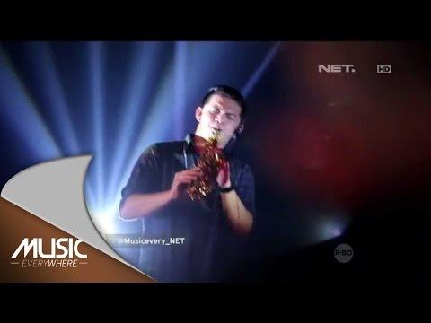 Video Kotak feat Damez Nababan - Sore Tugu Pancoran - Music Everywhere Tribute to Iwan Fals download in MP3, 3GP, MP4, WEBM, AVI, FLV January 2017