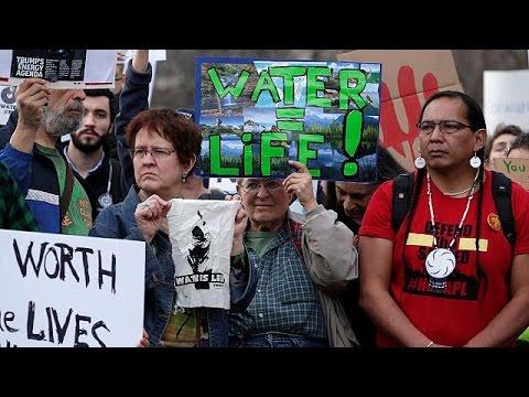 Ινδιάνοι Σιου κατά της κατασκευής πετρελαιαγωγού στη Ντακότα