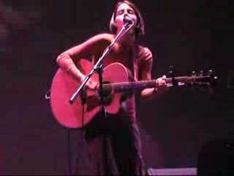 Lorna Bracewell Performs