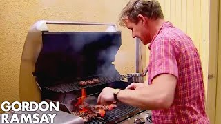 Gordon Cooks Burgers for the Hungry Hotel Guests | Hotel Hell by Gordon Ramsay
