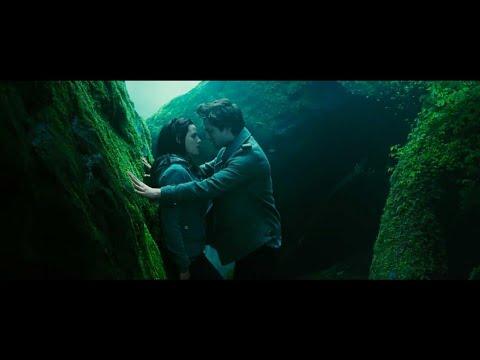 Cute Scene (Eng Sub) || The Twillight Saga (2008) || Edward & Bella ||