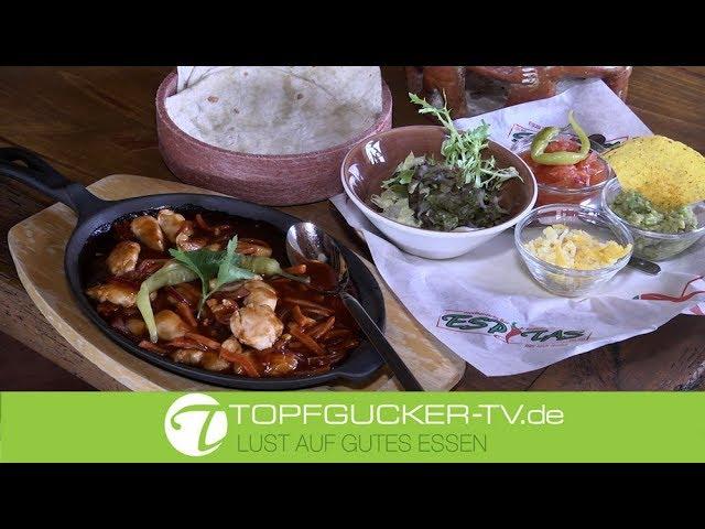 Hähnchen Faijtas mit roter Zwiebel, Möhre und einer leicht feurigen Chilisoße