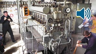 Video Start Up of a WW2 Submarine Diesel Engine of a German U-Boat 🔊 MP3, 3GP, MP4, WEBM, AVI, FLV November 2018