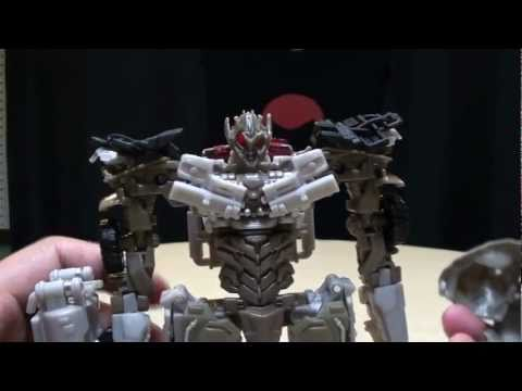 megatron - A look at the latest incarnation of movie Megatron from Dark of the Moon.