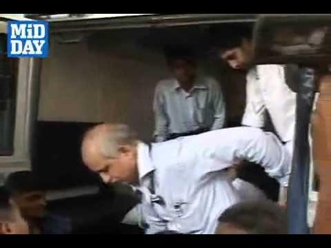 Amitabh Bachchan in Lilavati Hospital
