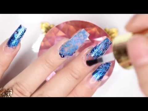 Uñas acrilicas - Uñas Acrílicas en Tono Azul con Naturaleza Muerta Y Foil Azul