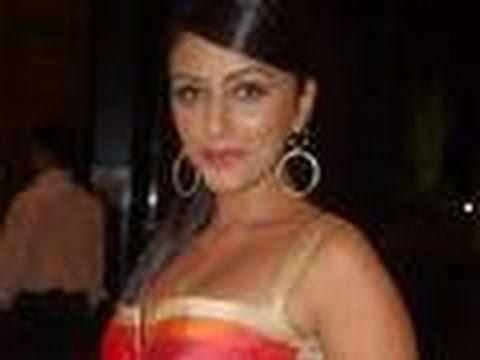Video Aarti Chabria WINS 'Khatron Ke Khiladi 4' download in MP3, 3GP, MP4, WEBM, AVI, FLV January 2017