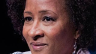 Comedian Wanda Sykes gave audience members the middle finger as they booed her for calling Donald Trump