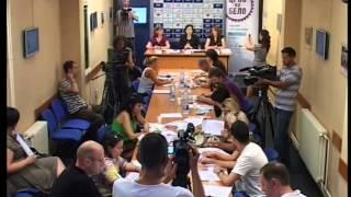 crno-na-belo-konferencija-za-medije-u-nisu-01
