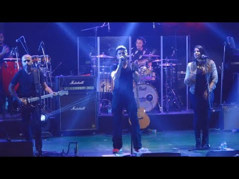 Bollywood Actor Farhan Akhtar Dance and Singing Performance - Live Video (видео)