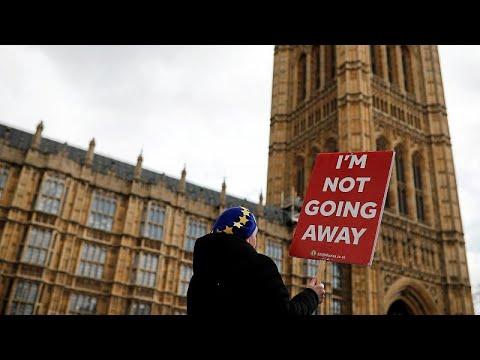 Brexit: Νόμος του κράτους η παράταση διαδικασίας – Θέλουν να αποφύγουν «άτακτη» αποχώρηση…