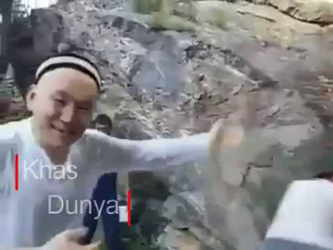 Video Dry Waterfall in China Starts Flowing On Holy Quran Recitation download in MP3, 3GP, MP4, WEBM, AVI, FLV January 2017